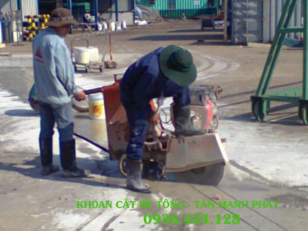Khoan cắt đường bê tông ở Phường Đại Kim